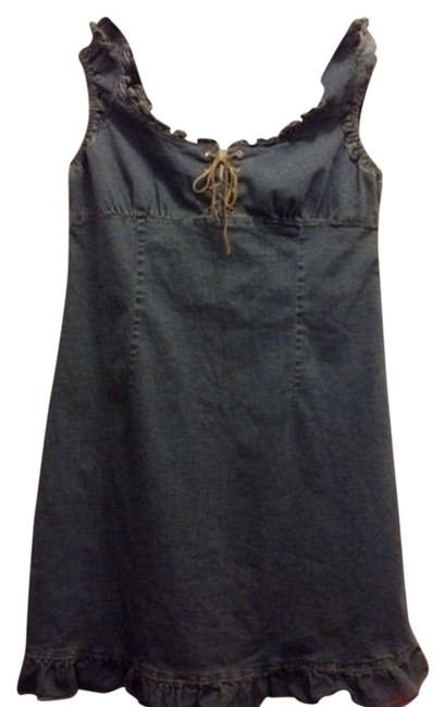 Preload https://item1.tradesy.com/images/guess-short-casual-dress-size-10-m-2158575-0-0.jpg?width=400&height=650