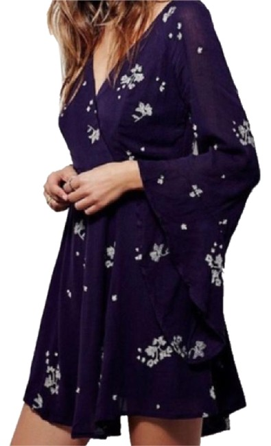 Preload https://img-static.tradesy.com/item/21589008/free-people-jasmine-embroidered-floral-short-casual-dress-size-2-xs-0-1-650-650.jpg