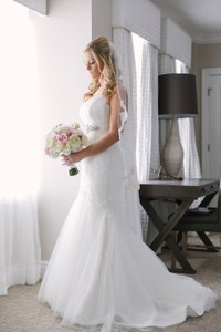 Paloma Blanca 4411 Wedding Dress