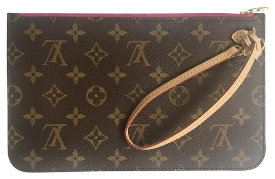 Preload https://img-static.tradesy.com/item/21589622/louis-vuitton-wristlet-21589622-0-3-540-540.jpg