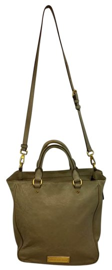 Preload https://img-static.tradesy.com/item/21589632/marc-by-marc-jacobs-taupe-wrinkled-leather-satchel-0-1-540-540.jpg