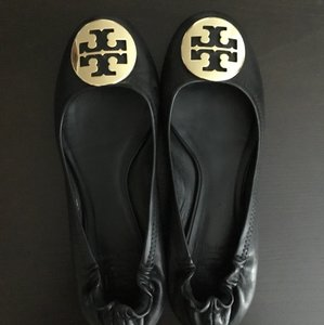 21cf226fbb5 Tory Burch Gold Hardware Emblem Leather Business Casual Black Flats