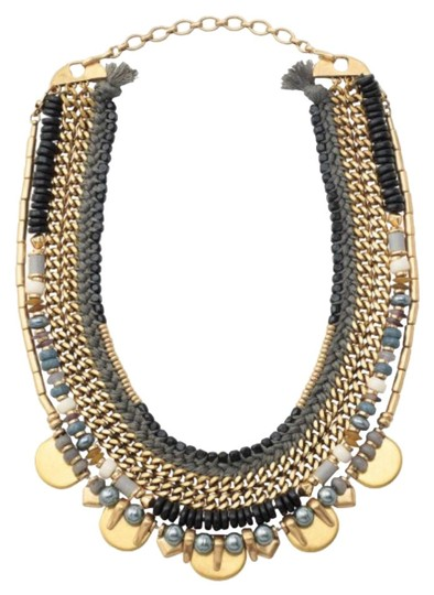 Preload https://img-static.tradesy.com/item/21591208/stella-and-dot-colette-statement-necklace-0-1-540-540.jpg