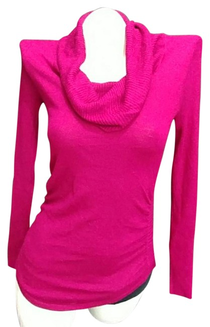 Preload https://img-static.tradesy.com/item/21591332/hooked-up-by-iot-berry-pink-rip-knit-blouse-size-6-s-0-2-650-650.jpg