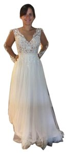 Stella York Ivory French Tulle and Lace Essence Of Australia By Feminine Wedding Dress Size 4 (S)