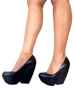 Nicholas Kirkwood Black Wedges