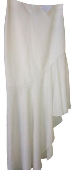 Item - White Long with Assymetric Ruffle Skirt Size 8 (M, 29, 30)