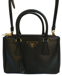Prada Bags on Sale - Up to 70% off at Tradesy