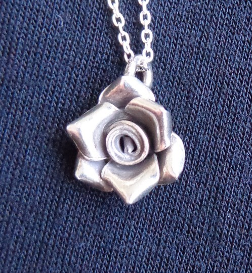 Samphire Jewellery Silver Rose And Peach Moonstone Necklace