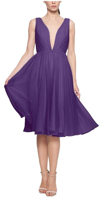 Item - Plum/Purple Petti-length with Back Chain. Mid-length Cocktail Dress Size 10 (M)