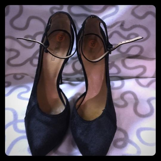 L.A.M.B. Like New Pounce Pony Hair Ankle Strap 10 Pumps Image 3