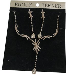 Bijoux Terner Crystal Necklace and Earring Set