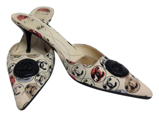 Item - Cream Cc Medallion Printed with Black Buttons Mules/Slides Size EU 40 (Approx. US 10) Regular (M, B)