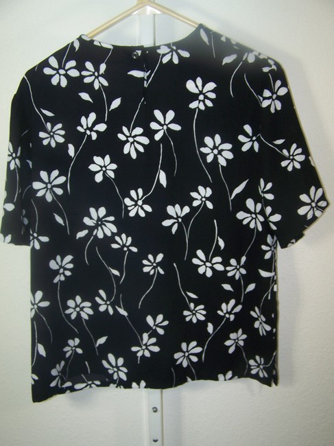 Pendleton Top Black with white floral pattern