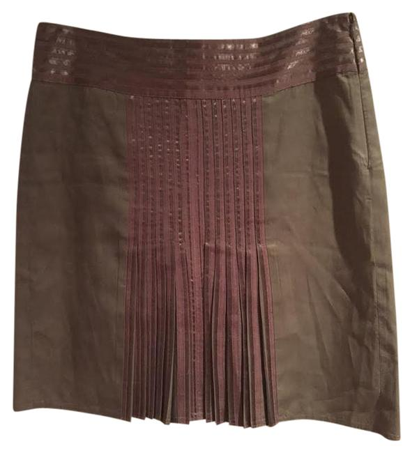 Preload https://img-static.tradesy.com/item/21603226/sisley-greenbrown-short-pleated-skirt-size-6-s-28-0-1-650-650.jpg