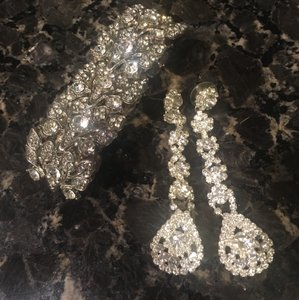 David's Bridal Crystal/Silver Elegant Raindrop Earrings and Earrings Jewelry Set