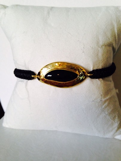 Tai Black Onyx Cabochon & Hammered Gold Cord Bracelet