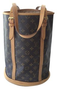 Louis Vuitton Marais Bucket Gm Lv Tote in Monogram