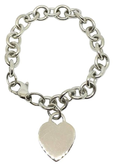 Preload https://img-static.tradesy.com/item/21606838/tiffany-and-co-sterling-silver-heart-charm-bracelet-0-1-540-540.jpg
