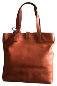 Fossil Tote in camel