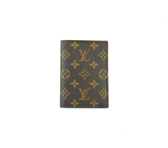 Preload https://img-static.tradesy.com/item/21607715/louis-vuitton-brown-w-monogram-canvas-leather-passport-cover-w-dustbag-wallet-0-0-540-540.jpg
