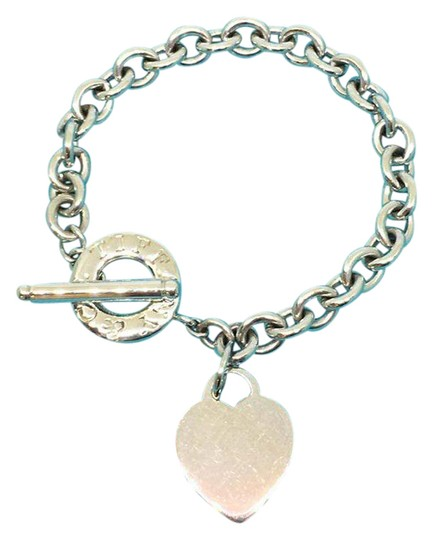 Preload https://img-static.tradesy.com/item/21608240/tiffany-and-co-sterling-silver-heart-and-toggle-bracelet-0-1-540-540.jpg