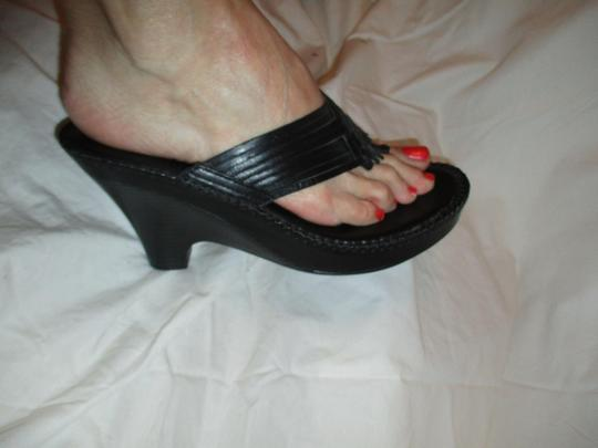 Naturalizer Leather Thong Wedge black Sandals