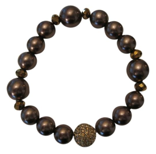 Preload https://img-static.tradesy.com/item/2160877/charter-club-brown-gold-tone-imitation-pearl-and-pave-crystal-ball-stretch-bracelet-0-0-540-540.jpg