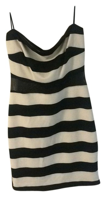 Preload https://img-static.tradesy.com/item/21608780/guess-black-and-white-striped-w3fk64k2ek0-short-night-out-dress-size-12-l-0-1-650-650.jpg