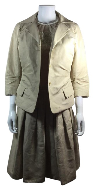 Preload https://img-static.tradesy.com/item/21608827/lida-baday-ivory-button-front-jacket-tank-68-skirt-suit-size-6-s-0-1-650-650.jpg