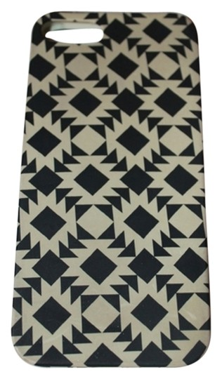 Preload https://item4.tradesy.com/images/jcrew-black-and-white-boho-print-iphone-5-phone-case-tech-accessory-2160923-0-0.jpg?width=440&height=440