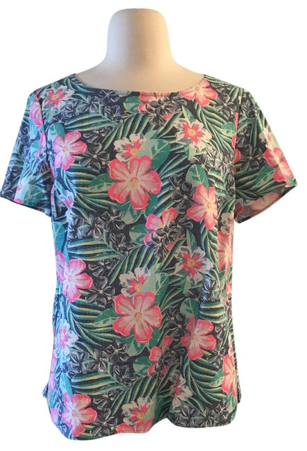 Preload https://img-static.tradesy.com/item/21609364/vineyard-vines-multicolor-island-floral-shirt-blouse-size-4-s-0-1-650-650.jpg