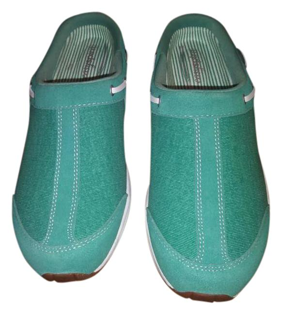 Item - Green/Teal Slip On's Sneakers Size US 9 Regular (M, B)