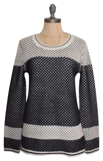 Preload https://img-static.tradesy.com/item/21610472/market-and-spruce-black-ivory-knit-sweaterpullover-size-6-s-0-1-650-650.jpg