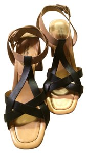 Vera Wang 10 Size Straps Simply Leahter Ankle Strapped Ankle Black & Tan Sandals
