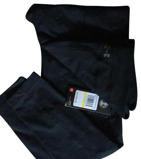 Preload https://item1.tradesy.com/images/under-armour-black-96591-activewear-pants-size-6-s-21613985-0-1.jpg?width=400&height=650