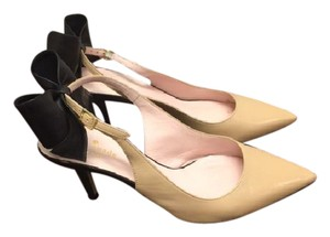 Kate Spade Tan w/black bow Pumps