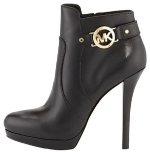 Michael Kors Wyatt Black Boots