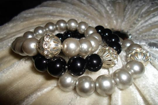 OTHER GRAY /BLACK STRETCH FAUX PEARL BRACELETS W/CRYSTAL DETAIL