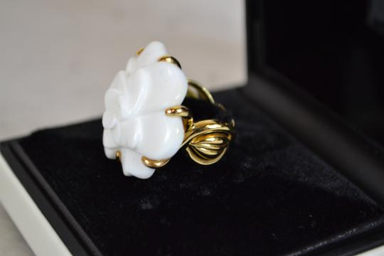 Chanel Authentic Chanel White Camellia Agate Flower 18K Yellow Gold Ring