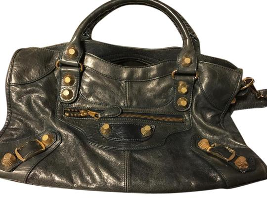 Preload https://item5.tradesy.com/images/balenciaga-crackled-leather-gold-tone-hardware-giant-21-work-satchel-21616344-0-1.jpg?width=440&height=440
