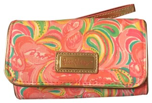 Lilly Pulitzer it's a keeper smart phone ID wristlet
