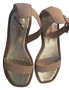 CoSTUME NATIONAL Never Worn Italian Taupe/Natural Sandals