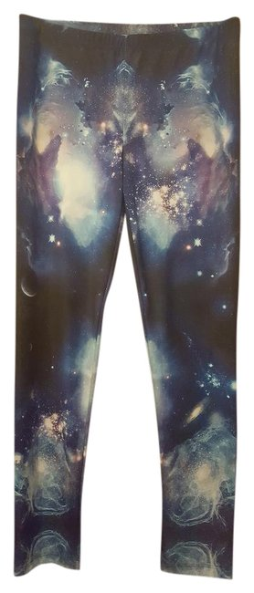 Item - Blue/Purple/Black Galaxy Leggings Size 8 (M, 29, 30)