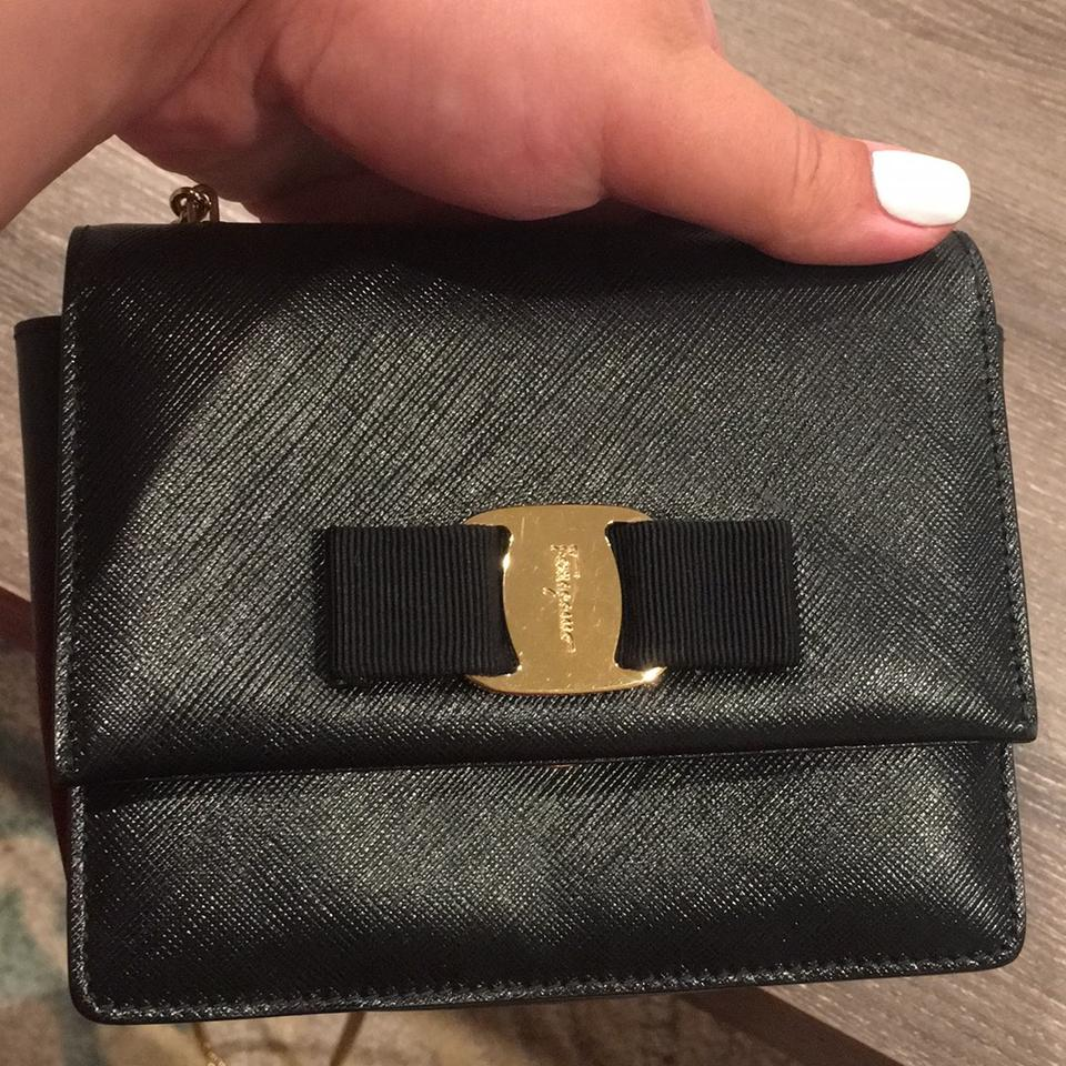 Crossbody Miss Black Ferragamo Salvatore with Clutch Crosshatched Chain Calfskin Gold Vera tOSIS