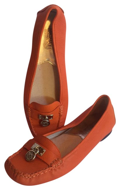 Item - Tangerine Leather Loafers with Mk Pendant Flats Size US 8.5 Regular (M, B)