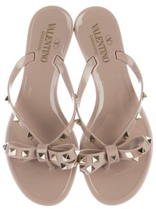 Valentino Jelly Bow Punkouture Rockstud Gold Hardware Beige, Gold Sandals