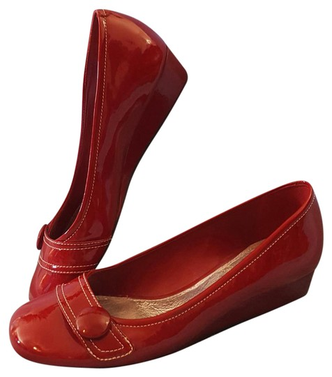 Preload https://img-static.tradesy.com/item/21628648/gianni-bini-red-leather-upper-man-made-lining-1-flats-size-us-75-regular-m-b-0-1-540-540.jpg