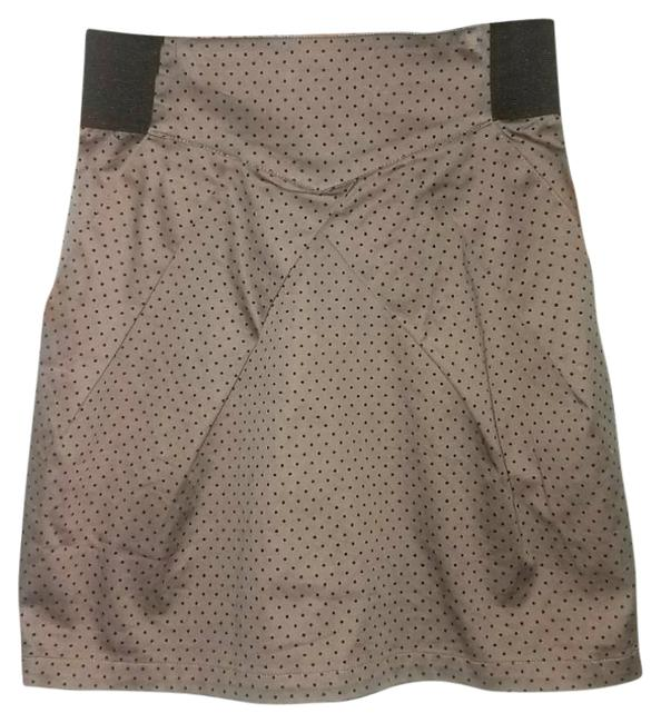 Preload https://item3.tradesy.com/images/h-and-m-brown-and-black-pinup-polka-dot-pleated-miniskirt-size-4-s-27-21628867-0-2.jpg?width=400&height=650