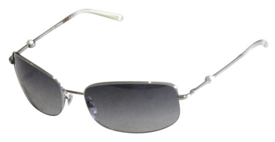 Preload https://item4.tradesy.com/images/chanel-silver-collection-perle-4169-tone-pearl-bead-arm-59mm-sunglasses-21628903-0-2.jpg?width=440&height=440